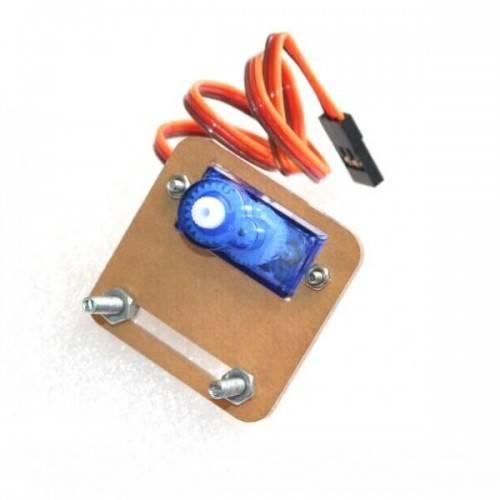 Mocowanie serwa 9g (SG90) - ramka plexi 30x37 + śrubki