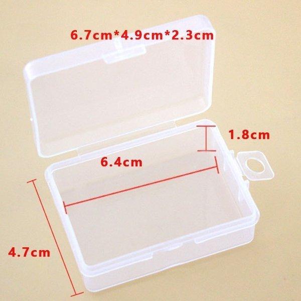 plastikowe pudełeczko